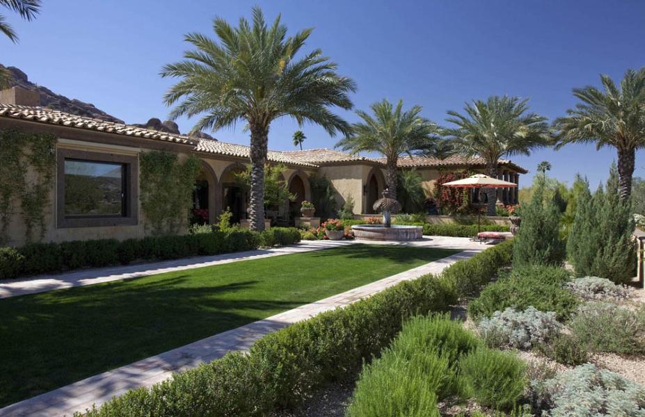 Formal Italian-inspired Courtyard